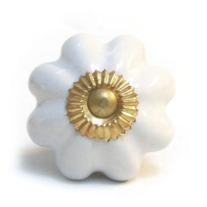 Ceramic Door Knob - White / Gold - Flower